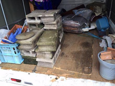 鉢植えや物干し竿、物置などの処分