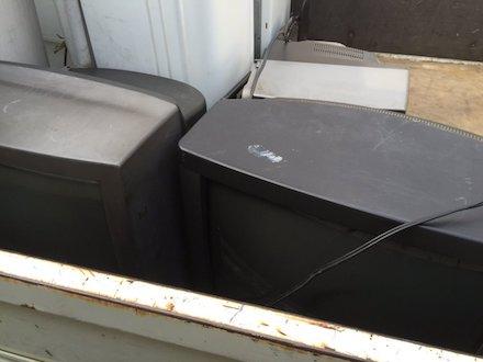 古いブラウン管テレビの回収事例